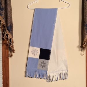 Ladies winter scarf. Blue and white